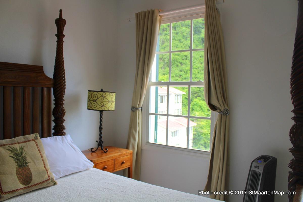saba-bedroom